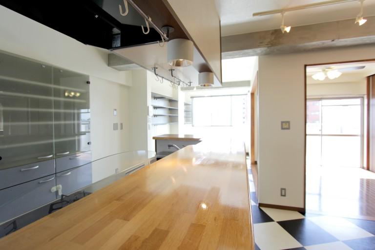 カウンターつきのキッチンは使い勝手がよく料理が楽しくなります