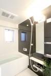 ゆとりのある広々バスルーム