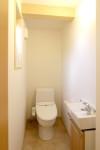 1F清潔なトイレ
