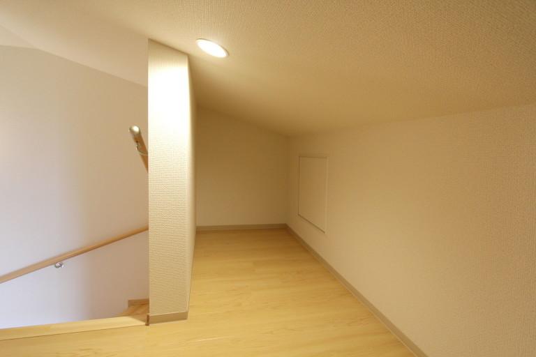 階段でアクセス可能です